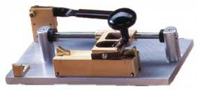 Gouging machine for Bassoon